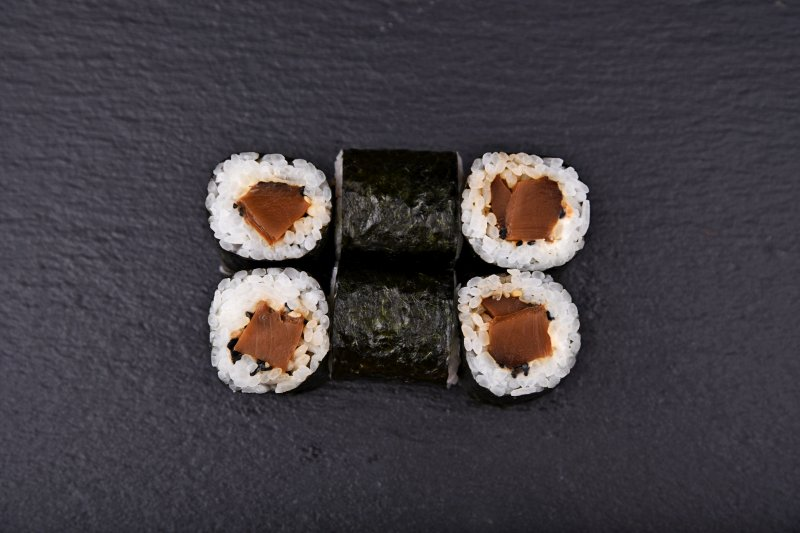 Shiitake mushroom maki with cream cheese and sesame seeds