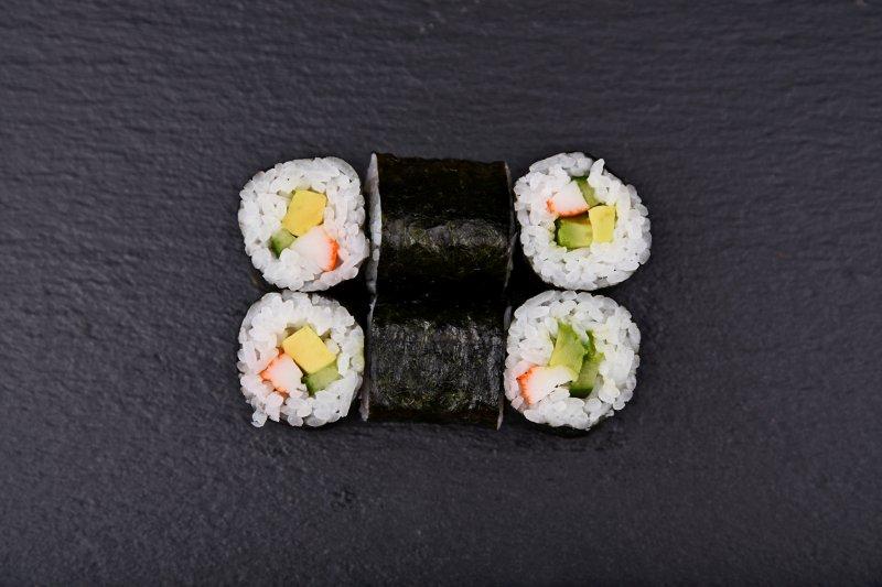 California maki with surimi, avocado and cucumber