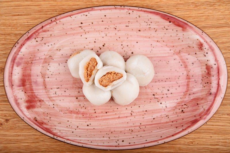 Sweet peanut mochi