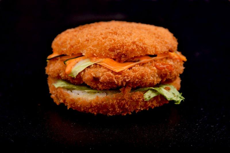 Sake sushi burger