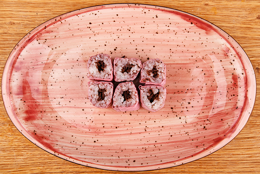 Cherry sweet maki with chocolate chips
