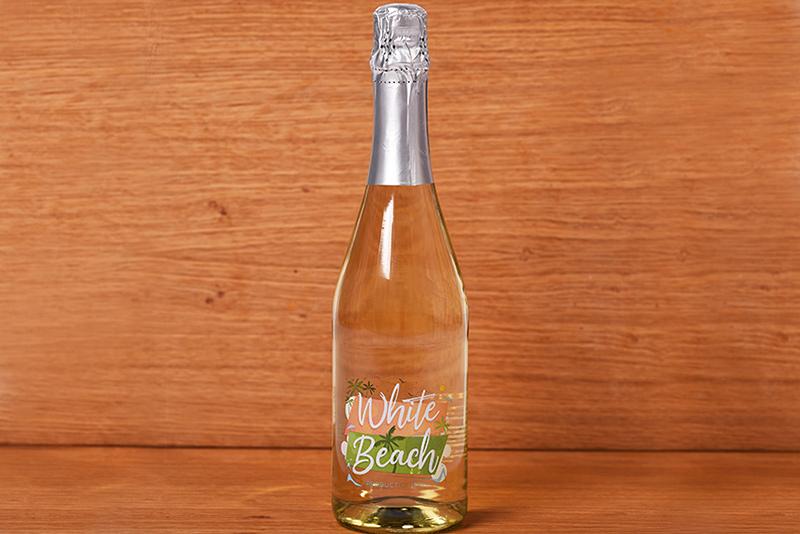 White Beach of dry white sparkling wine 0.75l