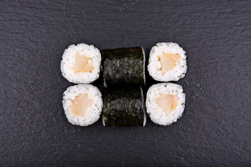 Smoked butterfish maki