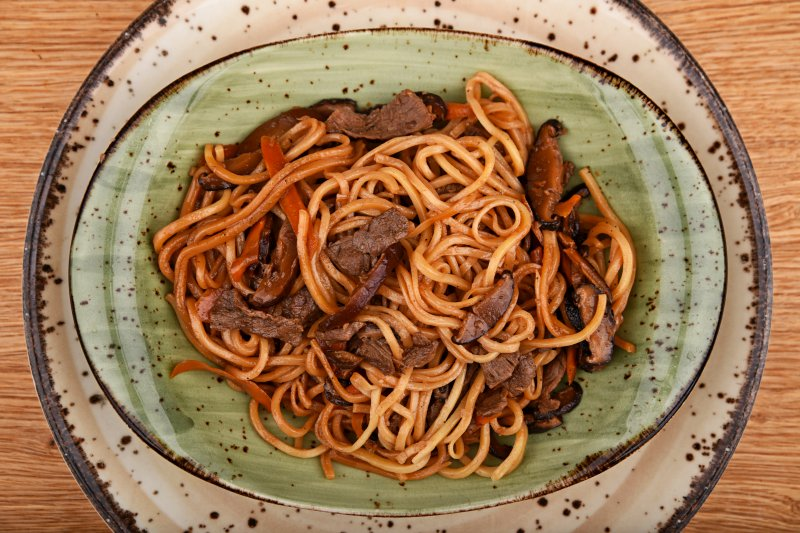 Teriyaki beef with egg noodles and vegetables