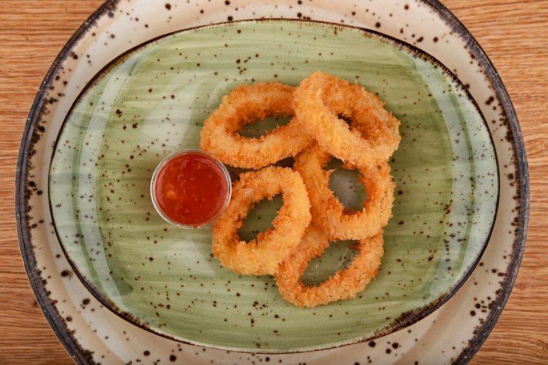 Squid tempura with sweet chili sauce